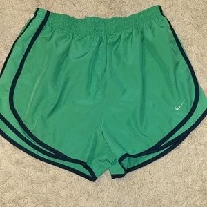 Like new Nike dri fit shorts in excellent shape